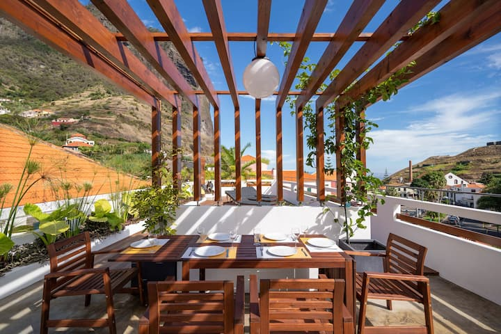 In the village, between the sea and the mountains - Madeira Surf Camp I