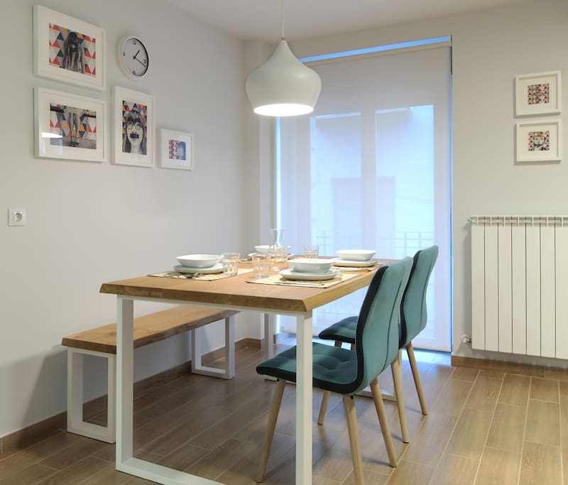 Mesa 4 comensales, salón-comedor