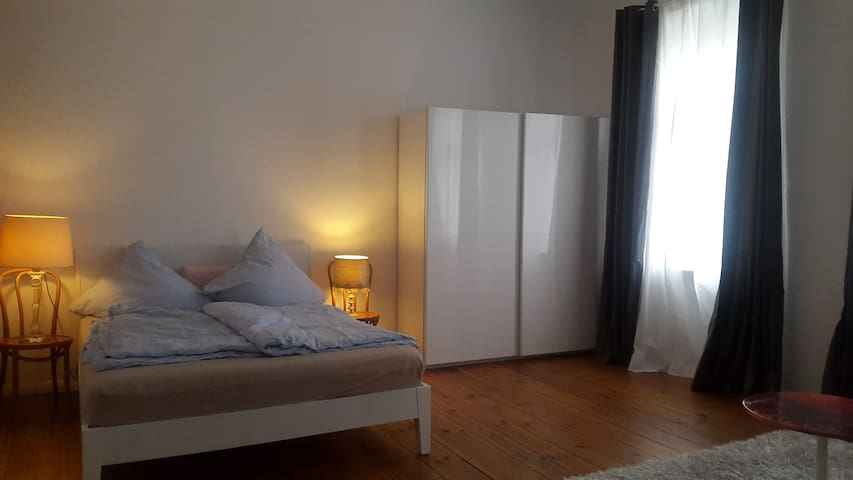 Renovated and central apartment in Berlin! - Berlin - Apartment