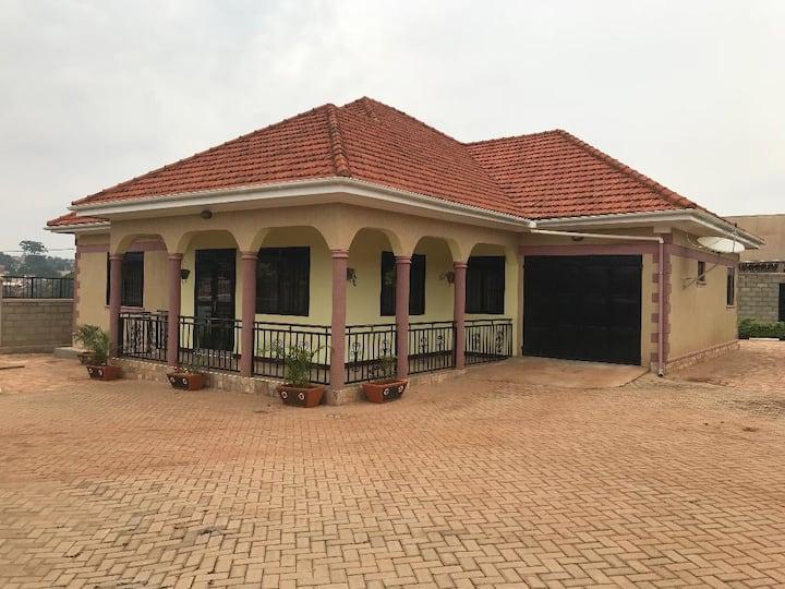 Private, Decent, Cozy Kampala Home