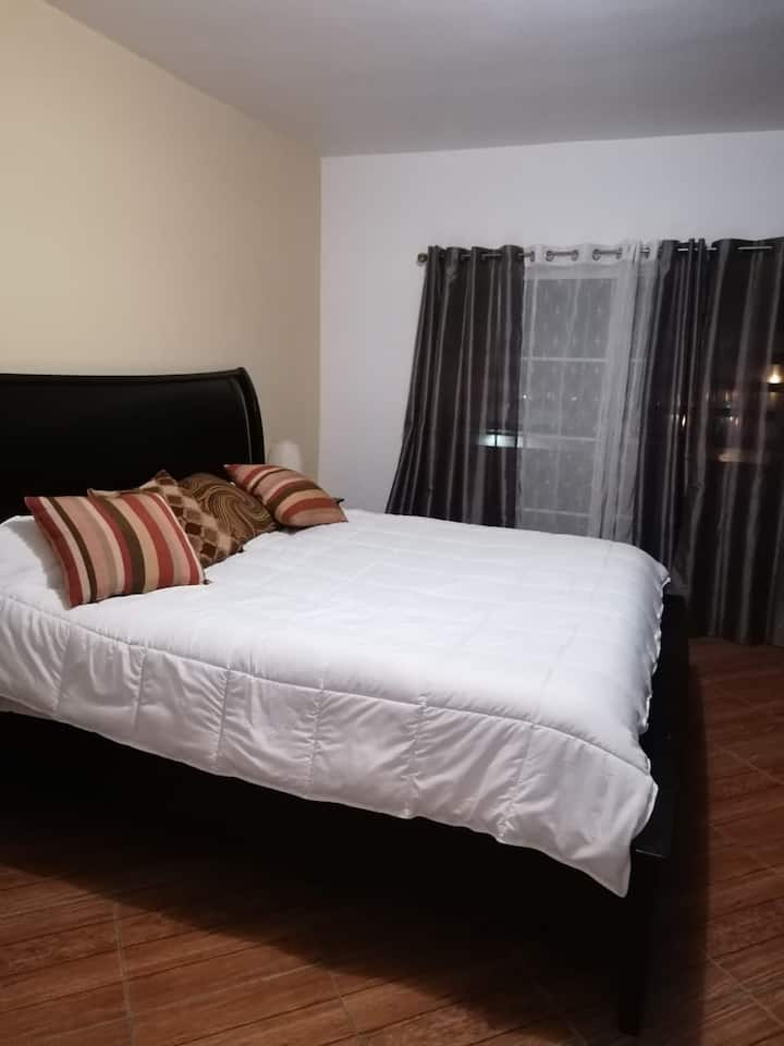 """Comfortable room, 5 minutes of Rosarito"""