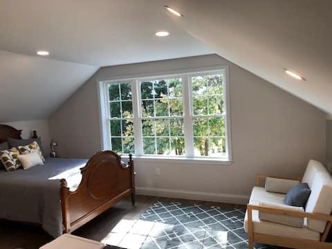 Private Studio Loft with a Farm View