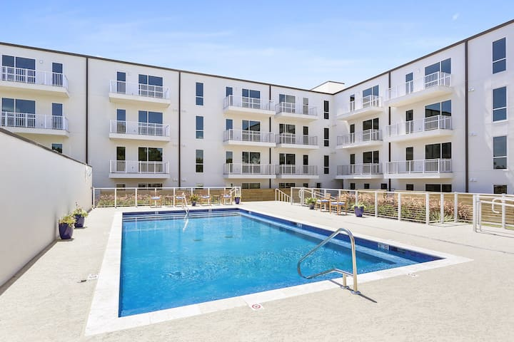 Upscale Bywater New 1br w/ POOL 314