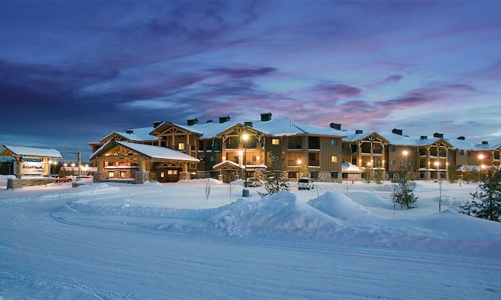 West Yellowstone 3 Bedroom Condo King/2Queen/Twins