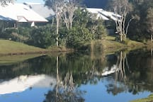 Noosa  Seaside Haven - Mins from Airport and Beach