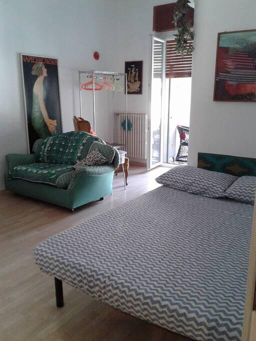 Monolocale centrale appartamenti in affitto a salerno for Monolocale arredato salerno