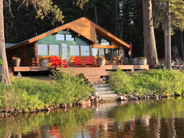 Lakefront Home and Bunkhouse—complete with dock