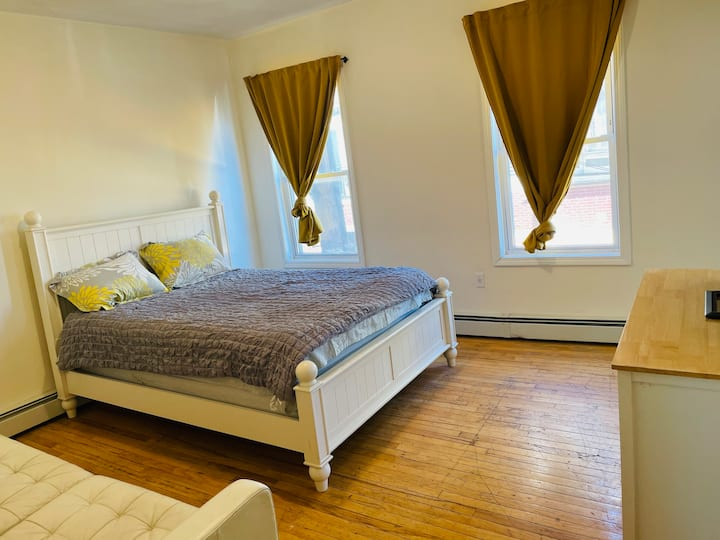 Spacious 1BR unit with FREE meal near Harvard/MIT