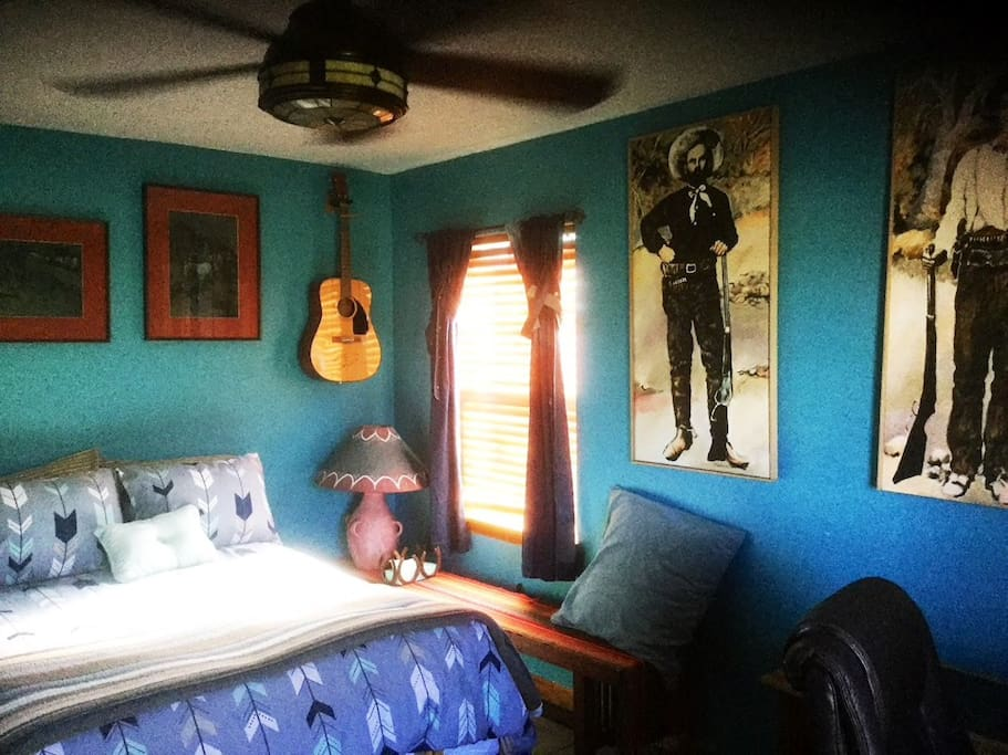 Wild Wild West Guest Room/Ceiling Fan