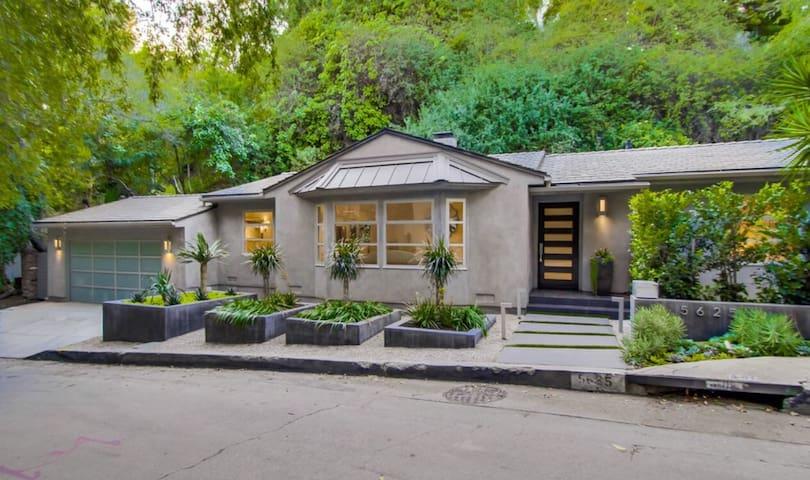 Leafy Oasis in the Oaks/Los Feliz hills