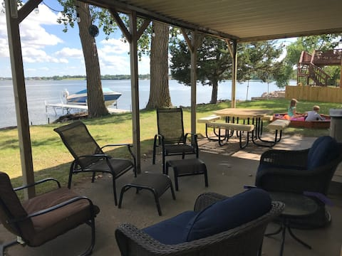 NEW LISTING! Quiet family getaway on Lake Madison