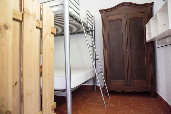 LEM room - 4 beds