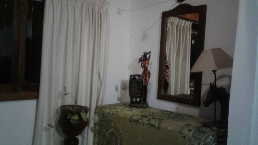 Casa 5 personas en Balcarce. 60km de mar del plata
