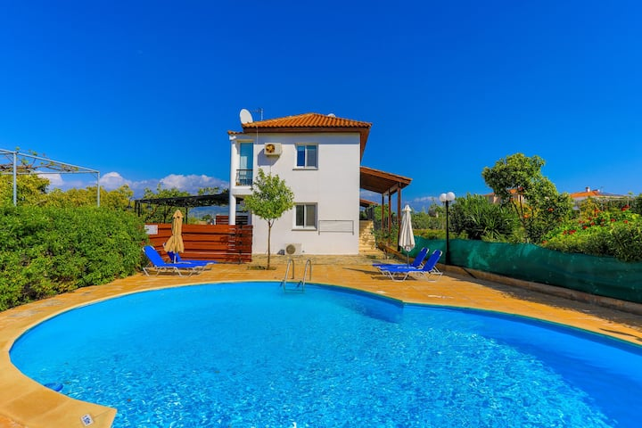 Arsinoe Finiki: Private pool, lovely gardens, A/C