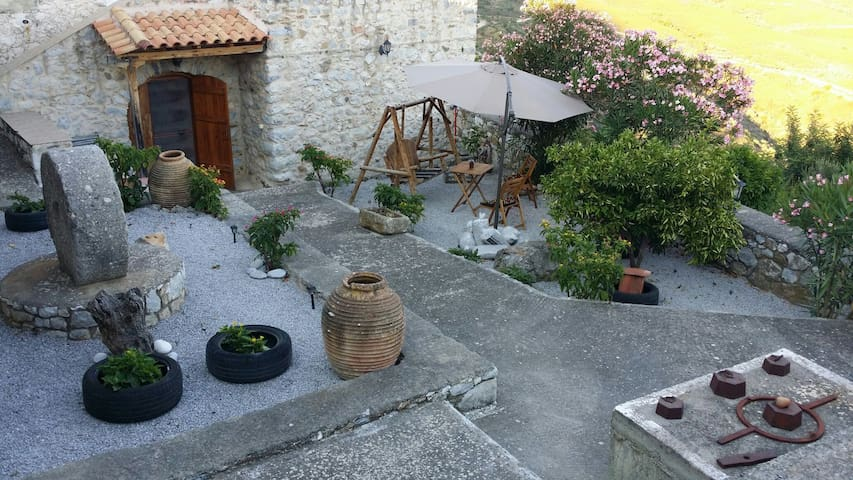 Stone House in Krioneri , Mani