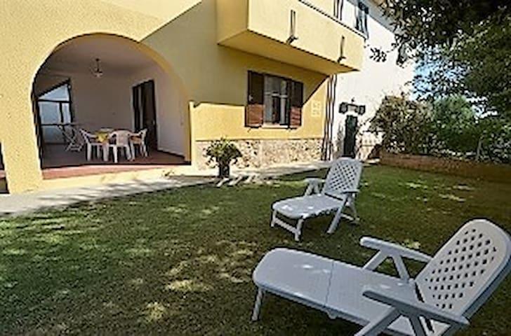 TRILOCALE IN CAMPAGNA VICINO AL MAR - Cecina - Apartment