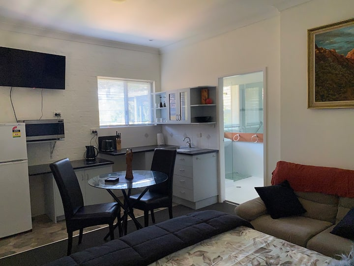 De la Salle Coffs City centrally located BnB