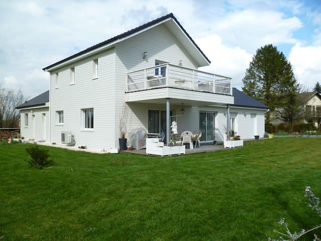 maison dans campagne béarnaise