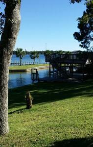 Beautiful house on the bayou