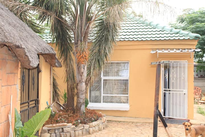 Neat holiday unit  in magaliesburg  range area