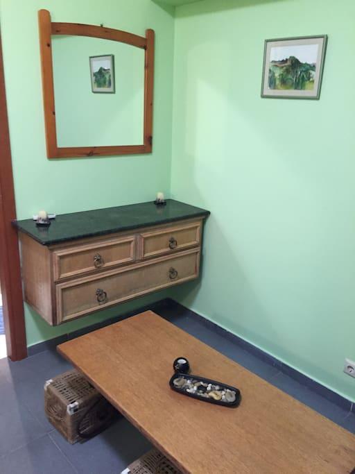 petit salon avec canapé lit