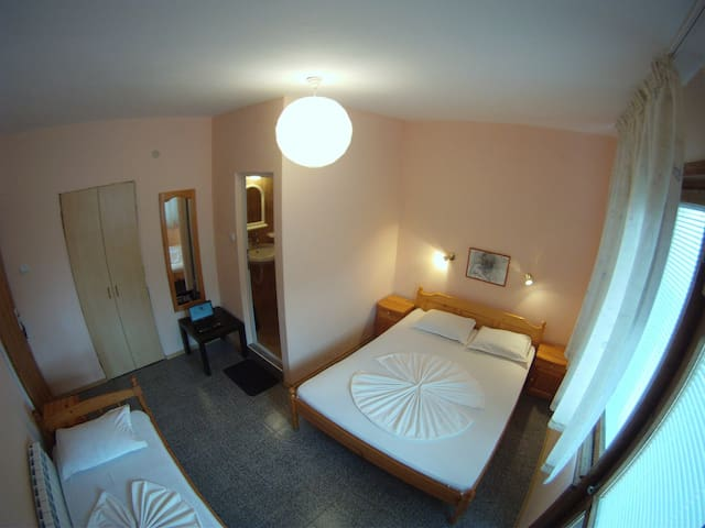 Private room in Chernomorets! - Chernomorets