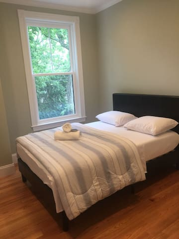 Elegant private bedroom next to Porter Sq 1