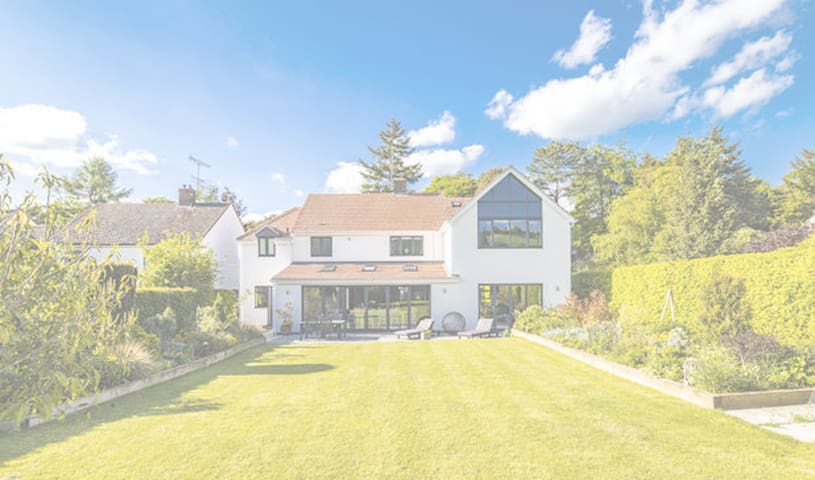 Detached House in Goring on Thames
