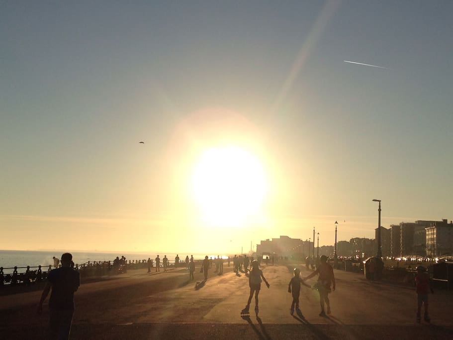 Promenade along the seafront towards Hove, watching the sunset
