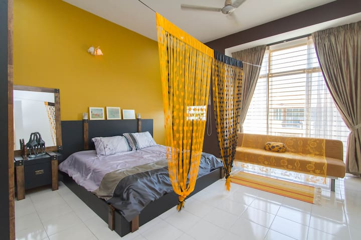 Golden Big MasterRoom(balcony/bath) - Balik Pulau - Ev