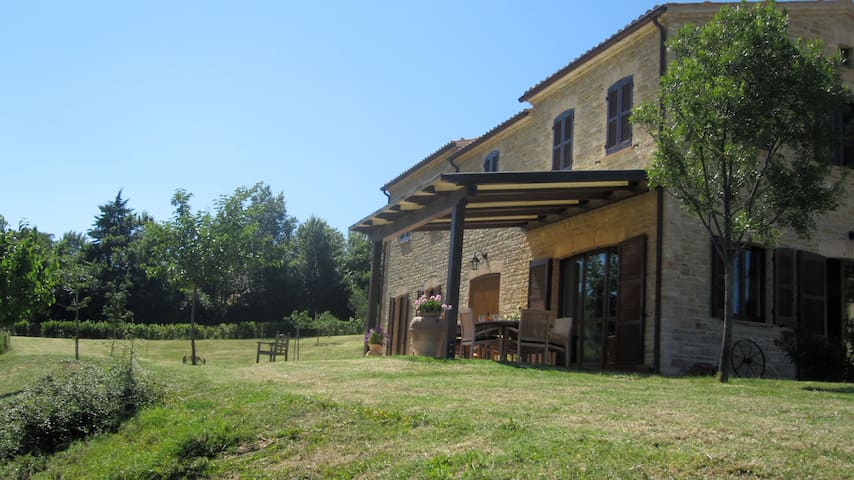 Villa with pool detached cottage  - Avacelli di Arcevia - Villa