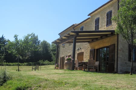 Villa with pool detached cottage  - Avacelli di Arcevia
