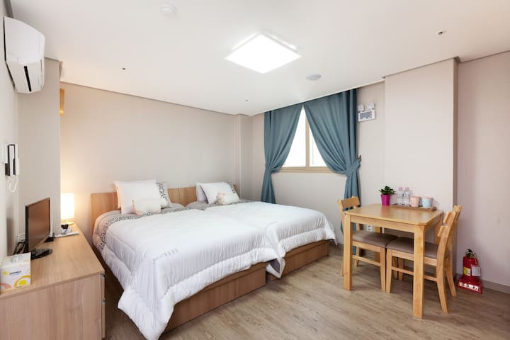 Center Located, Comfy Twin Bed Room - Seongdong-gu - Appartement