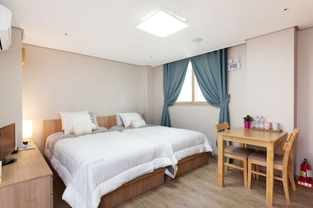 Center Located, Comfy Twin Bed Room