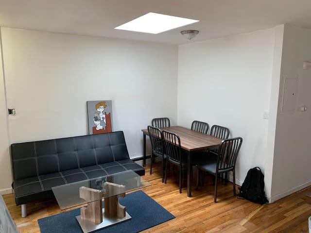 Joyful Private Room In Brooklyn