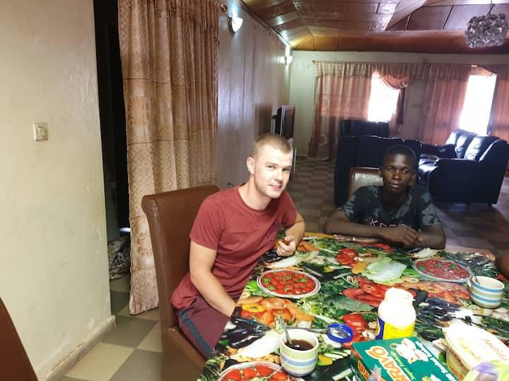 Diallo Guest House 3, Nongo Stade