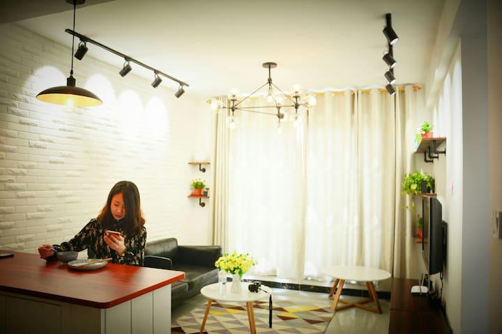 泰山脚下清新脱俗的北欧舒适小屋,让你找到回家的惊喜 - Taian Shi - Huis