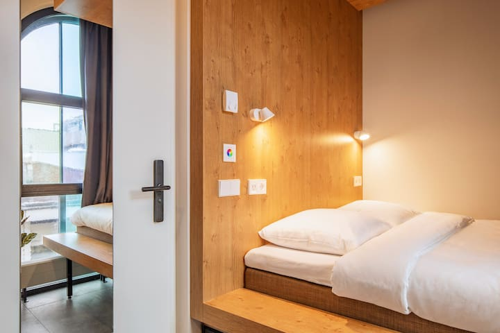 STAY COMFORTABLE IN OUR BUNK ROOM ++ WITH EN-SUITE
