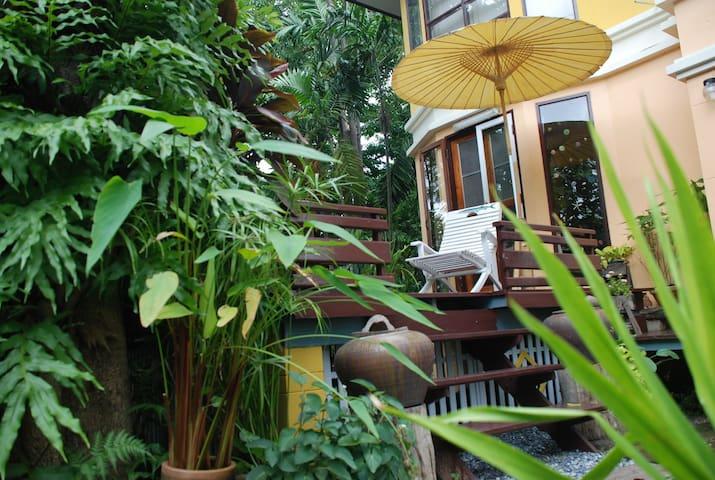 Gardenroom  Hostel Suvarnabhumi BKK - Nong Prue - Hus