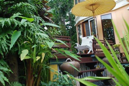 Gardenroom  Hostel Suvarnabhumi BKK - Nong Prue - 단독주택