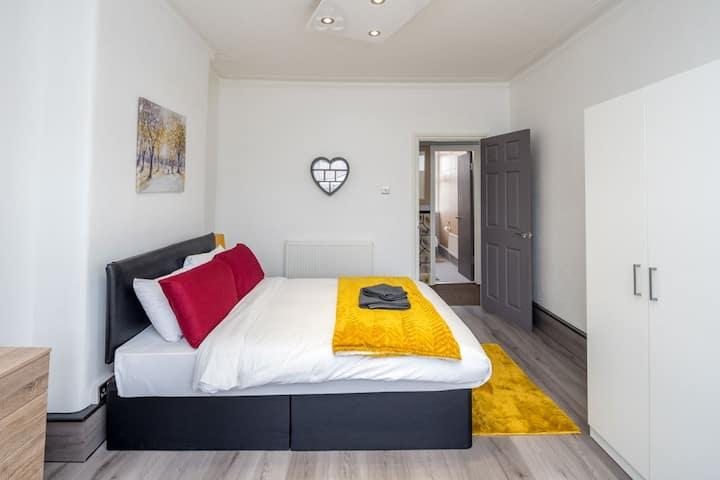 Goodmayes apartment
