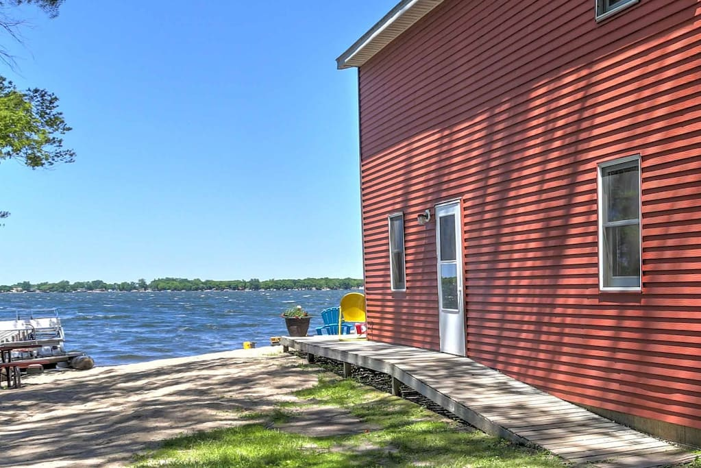 Situated right on the lake's sandy beach, this newly renovated 1,700-square-foot Diamond Lake Resort cabin comfortably accommodates up to 12 guests for the ultimate Minnesota lake retreat