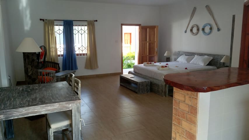 Coral Apartments - La Digue