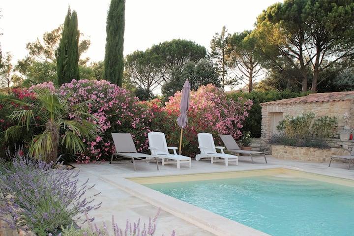 VILLA  climatisée avec piscine  à ROUSSILLON
