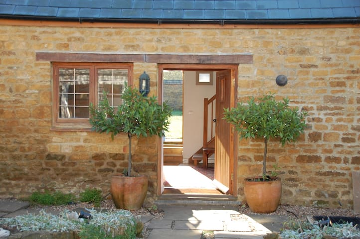 Cosy cottage in historic village - Deddington - Casa