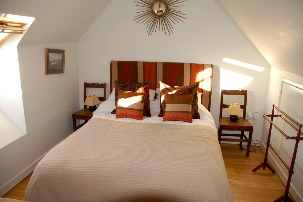 Comfortable double bedroom on first floor