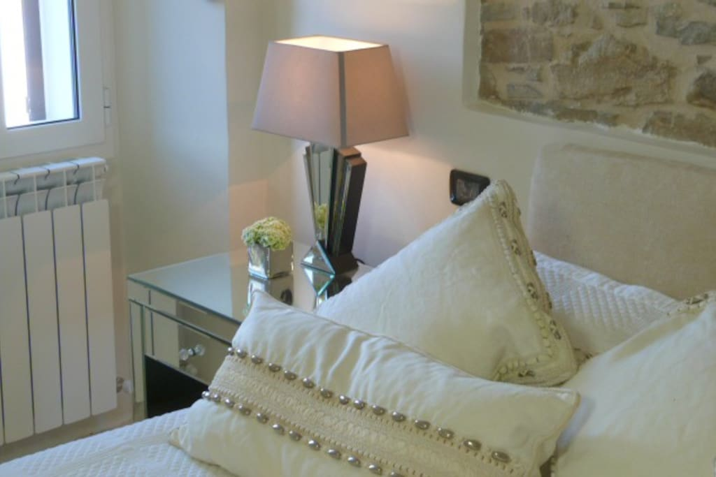 Bedside table & Lamp