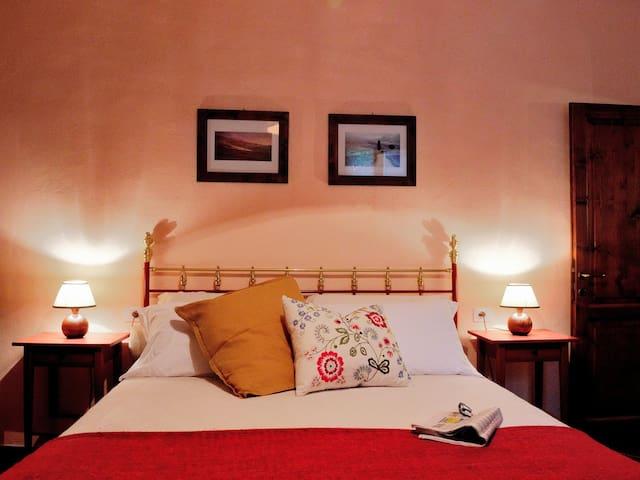 COLOMBI -Spacious and welcoming - Montescudaio - Apartamento