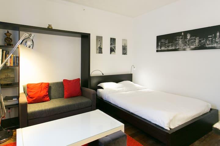 Small suite in St-Germain-des-Prés. - Paris - Leilighet