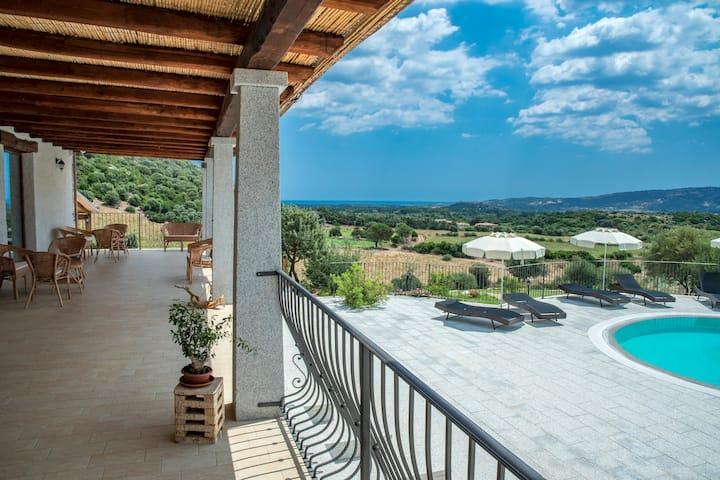 Appartamento con piscina Sardegna La Caletta